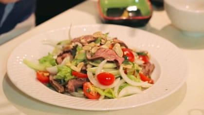 Spicy Steak Salad ยำเนื้อย่าง  (yum neua yang)