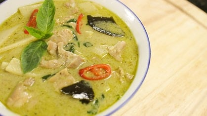 Green Curry Chicken แกงเขียวหวาน (gaeng keow waan)