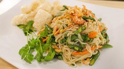 Rice Noodle Salad ยำขนมจีน