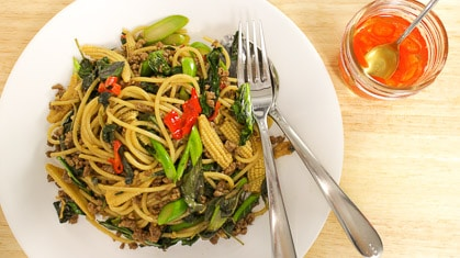 Drunken Spaghetti สปาเก็ตตี้ผัดขี้เมา (spaghetti pad kee mao)
