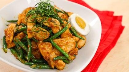 Gai Pad Prik King ไก่ผัดพริกขิง Red Curry Chicken & Long Beans Stir-Fry