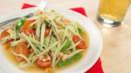 Green Papaya Salad  ส้มตำไทย (som tum)