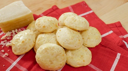 Chipa – Hot Chewy Cheese Puffs!
