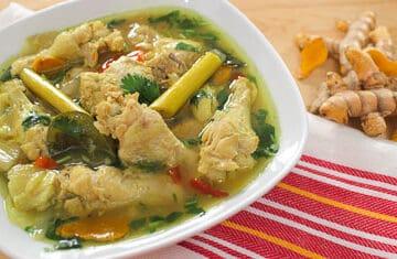 turmeric chicken ไก่ต้มขมิ้น