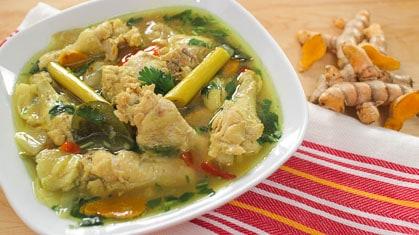 Turmeric Chicken Soup ไก่ต้มขมิ้น