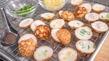 Thai coconut pancakes kanom krok