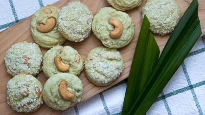 Pandan Coconut Cookies with Cashews