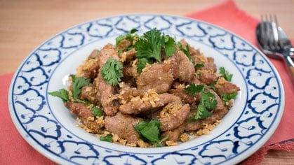 Garlic Pepper Pork หมูทอดกระเทียมพริกไทย