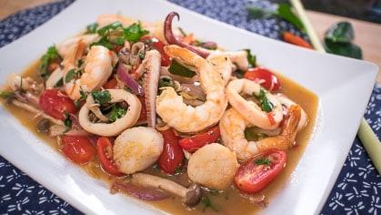 Dry Tom Yum Seafood ต้มยำแห้ง