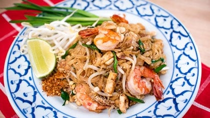 The Best Authentic Pad Thai Recipe Video Hot Thai Kitchen