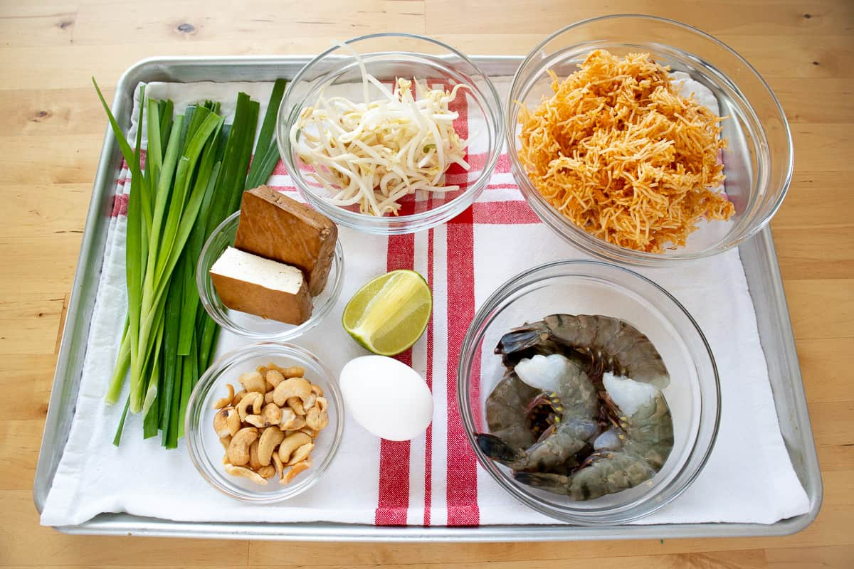 Ingredients for crispy pad thai recipe.